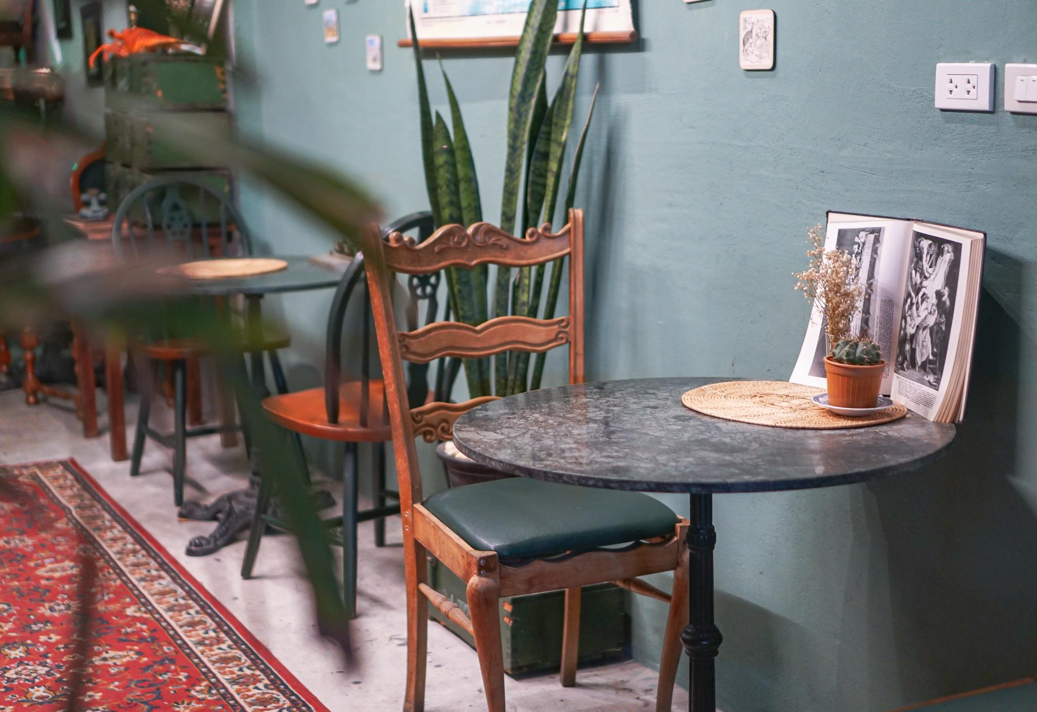 バンコクのカフェ「botanica cafe」のインテリア