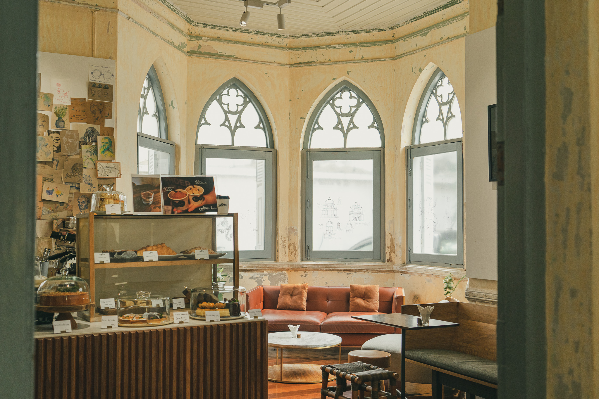 「Craftsman at Silpa Bhirasri's place」@バンコク・ドゥシット地区のカフェ